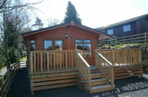 Snaptrip - Last minute cottages - Adorable Pooley Bridge Lodge S74832 -