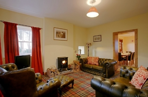 Snaptrip - Last minute cottages - Luxury Lockerbie Cottage S74836 -