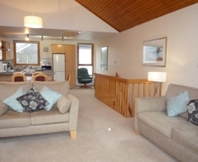 Snaptrip - Last minute cottages - Stunning Keswick Lodge S74837 -
