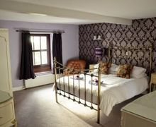 Snaptrip - Last minute cottages - Lovely Foxfield Cottage S74839 -