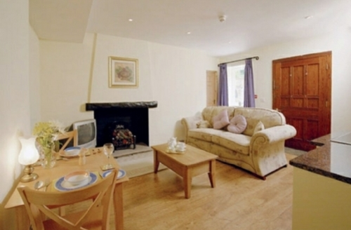 Snaptrip - Last minute cottages - Attractive Forest Of Bowland Apartment S74868 -