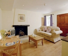 Snaptrip - Holiday cottages - Attractive Forest Of Bowland Apartment S74868 -