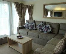 Snaptrip - Last minute cottages - Stunning Pooley Bridge  Lodge S74875 -