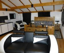 Snaptrip - Last minute cottages - Splendid Dalston Apartment S74879 -