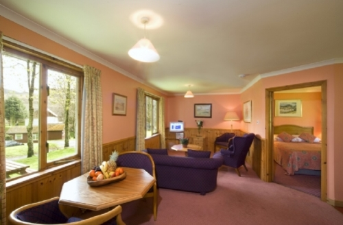 Snaptrip - Last minute cottages - Tasteful Lerags Glen Lodge S74897 -