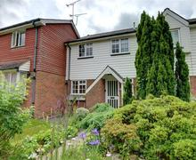 Snaptrip - Last minute cottages - Splendid Tenterden Rental S10330 - TN565 Exterior