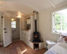 Snaptrip - Last minute cottages - Inviting Longtown Cottage S74922 -
