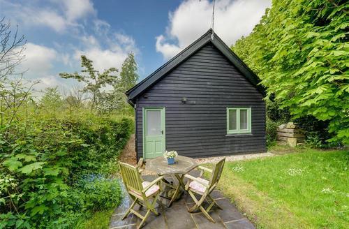 Snaptrip - Last minute cottages - Superb Deal Rental S10334 - CC0294 - Exterior - View 1
