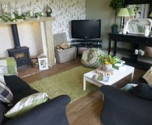 Snaptrip - Last minute cottages - Tasteful Faugh Cottage S74960 -
