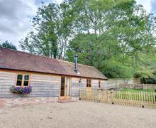 Snaptrip - Last minute cottages - Tasteful Heathfield Rental S10337 - SX914 Exterior