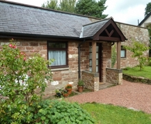 Snaptrip - Last minute cottages - Delightful Hayton Cottage S74979 -
