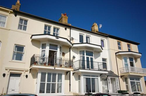 Snaptrip - Last minute cottages - Charming Hythe Rental S10341 - EK173 Exterior