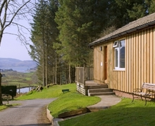 Snaptrip - Last minute cottages - Excellent Lerags Glen Lodge S74985 -