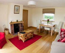 Snaptrip - Last minute cottages - Inviting Lockerbie Cottage S75018 -