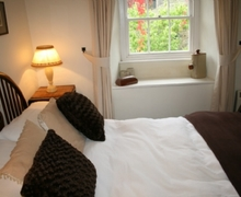 Snaptrip - Last minute cottages - Exquisite Garnett Bridge Cottage S75038 -