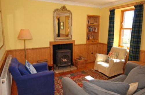 Snaptrip - Last minute cottages - Beautiful Kilfinan Lodge S75053 -