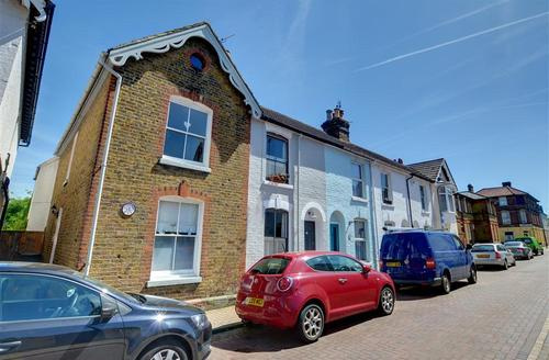 Snaptrip - Last minute cottages - Superb Whitstable Rental S10350 - EK216 Exterior