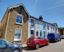 Snaptrip - Last minute cottages - Superb Whitstable Rental S10350 - EK216 Exterior