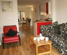 Snaptrip - Holiday cottages - Adorable Carnforth Cottage S75066 -