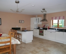 Snaptrip - Last minute cottages - Attractive Garlow Cross Cottage S75080 -