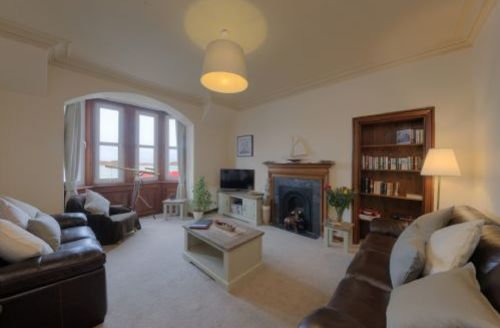 Snaptrip - Last minute cottages - Cosy Oban Apartment S75089 -