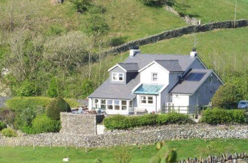 Snaptrip - Last minute cottages - Tasteful Grange Over Sands Cottage S75102 -