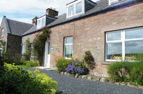 Snaptrip - Last minute cottages - Quaint Jedburgh Cottage S75119 -