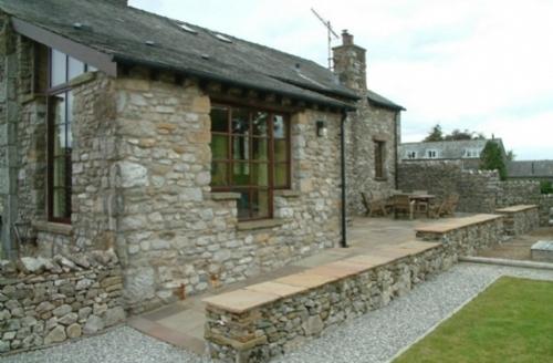 Snaptrip - Last minute cottages - Adorable Farleton Cottage S75131 -
