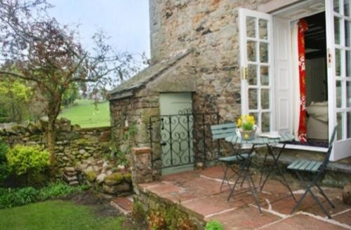 Snaptrip - Last minute cottages - Beautiful Pooley Bridge Cottage S75143 -