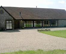 Snaptrip - Last minute cottages - Exquisite Dover Rental S10362 - nells barn at st radigunds abbey
