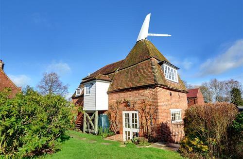 Snaptrip - Last minute cottages - Quaint Stone Rental S10370 - TN562 Exterior