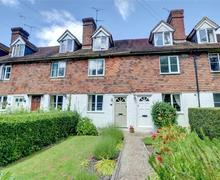 Snaptrip - Last minute cottages - Charming Tenterden Rental S10376 - TN566 Exterior