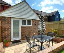 Snaptrip - Last minute cottages - Exquisite Hawkhurst Rental S10387 - CB596 Exterior
