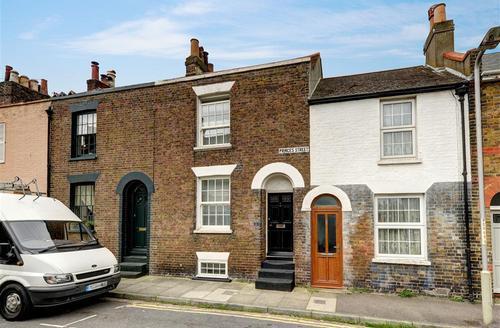 Snaptrip - Last minute cottages - Lovely Deal Rental S10391 - CC0298 - Exterior