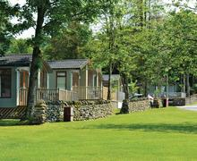 Snaptrip - Last minute cottages - Superb Pooley Bridge Lodge S75569 - The park setting