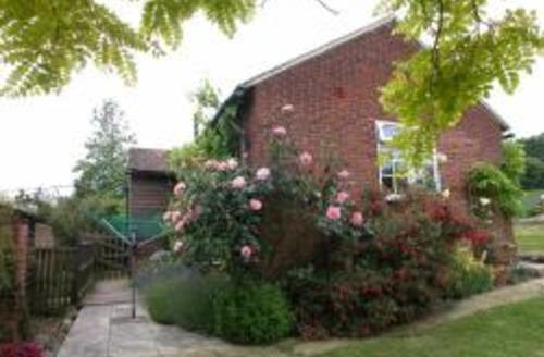 Snaptrip - Last minute cottages - Charming West Peckham Rental S10405 - MD413 Exterior