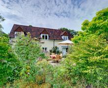 Snaptrip - Last minute cottages - Quaint Goudhurst Rental S10408 - CB615 Cottage Exterior