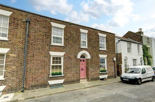 Snaptrip - Last minute cottages - Excellent Deal Rental S10419 - CC0275 - Exterior