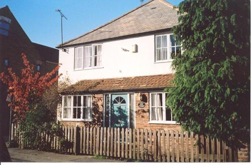 Snaptrip - Last minute cottages - Inviting Whitstable Rental S10460 - cc0187april cottage 2
