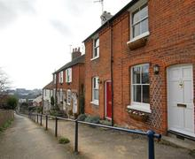 Snaptrip - Last minute cottages - Excellent Hythe Rental S10468 - EK209 Exterior