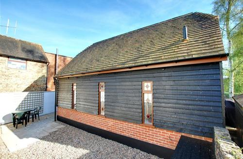 Snaptrip - Last minute cottages - Quaint Maidstone Rental S10493 - MD430 Exterior