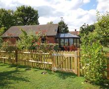 Snaptrip - Last minute cottages - Excellent Cranbrook Rental S10502 - CB571 Exterior