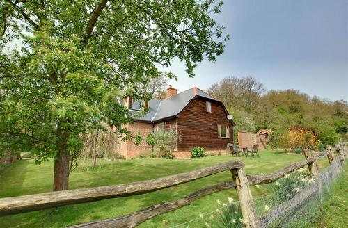 Snaptrip - Last minute cottages - Charming Hawkhurst Rental S10513 - CB504 Exterior