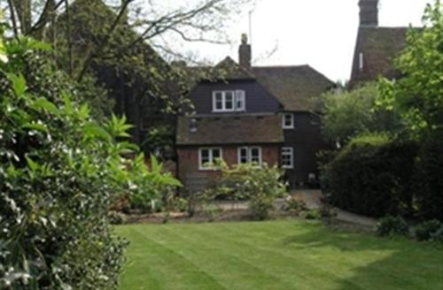 Snaptrip - Last minute cottages - Excellent Sissinghurst Rental S10537 - CB572 Exterior Rear