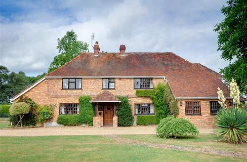 Snaptrip - Last minute cottages - Delightful Biddenden Rental S10539 - CB719 Exterior