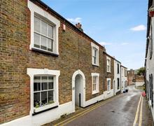Snaptrip - Last minute cottages - Lovely Broadstairs Rental S10547 - CC0280 - Micawber Cottage - 117
