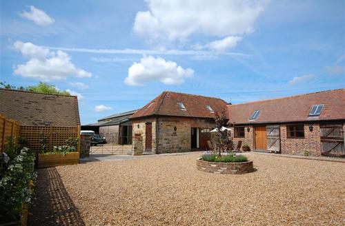 Snaptrip - Last minute cottages - Stunning Heathfield Rental S10553 - SX881exterior