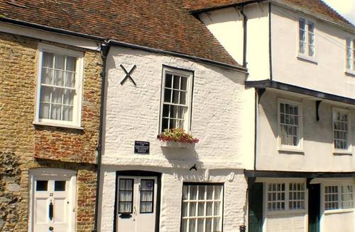 Snaptrip - Last minute cottages - Stunning Sandwich Rental S10554 - CC0235 - Exterior
