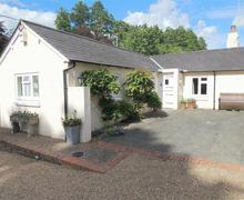 Snaptrip - Last minute cottages - Captivating Sevenoaks Rental S10571 - TS721 Exterior
