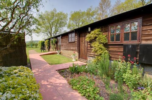 Snaptrip - Last minute cottages - Quaint Tenterden Rental S10584 - TN441 Exterior